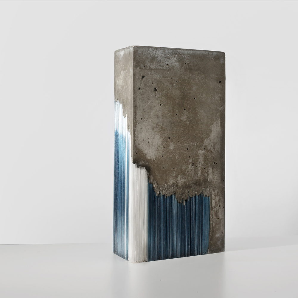 Glas and concrete Scumpture